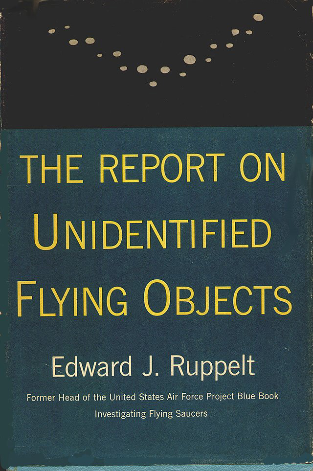 unidentified flying object essay The phrase unidentified flying object was created by the united states air force in 1952 to describe what were then being referred to by the public as flying saucers .
